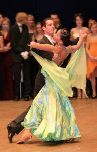 Corsi-ballo-Foxtrot_Club-Royal-Dance